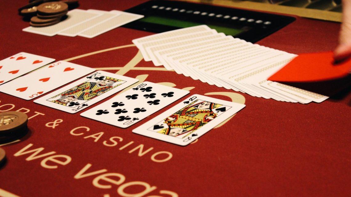 Comment jouer au poker quand on est débutant ?